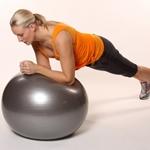 Упражения на фитболе: гимнастика для похудения