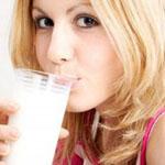 Напитки, сделанные из молока, помогут избавиться от лишнего веса
