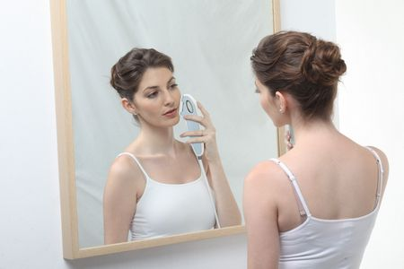 Как можно избавиться от волос на лице в домашних условиях