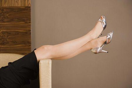 Как снять усталость с ног?