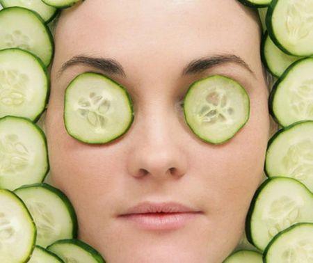 Отеки под глазами: причины бед наших зеркал душ