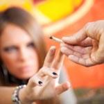 Подростки с ожирением часто становятся курильщиками