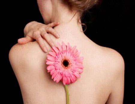 Прыщи на плечах и спине: несколько слов о неприятной проблеме