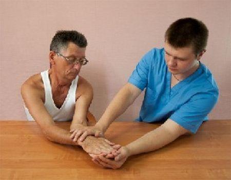 Как делать массаж руки после инсульта