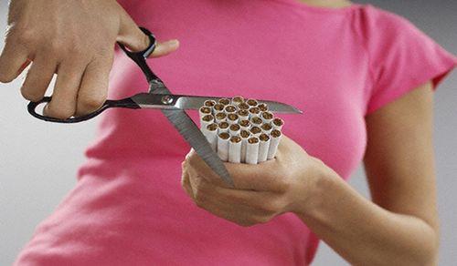 Легко ли бросить курить женщинам