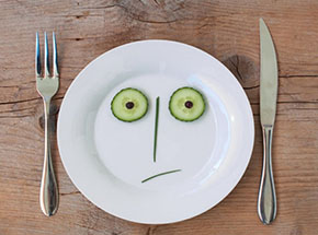 Зеленая, соковая, лимонадная: три диеты, опасных для здоровья