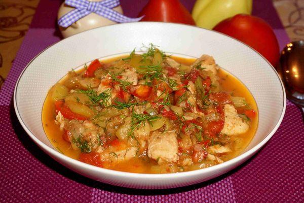 куриная грудка с овощным гарниром