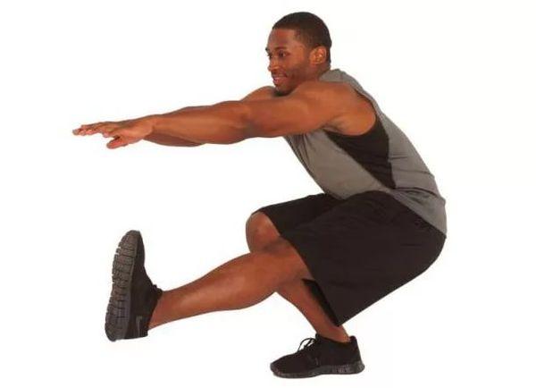 как мужчине накачать ноги разминка