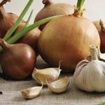 Лук и чеснок для похудения: польза и рецепты