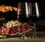Испанцы создали диету, включающую в себя вино и хамон