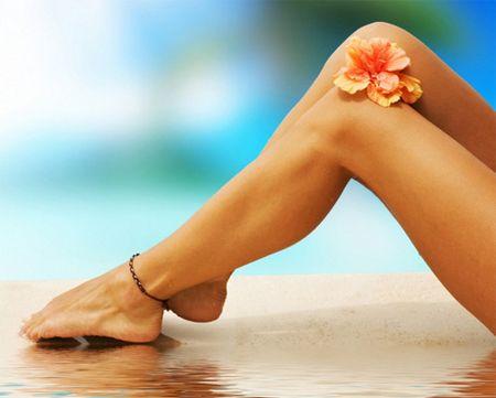 Нужно ли девушкам брить ноги: простейшие методы борьбы с нежелательными волосами