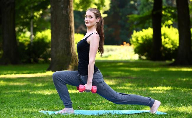 Упражнения: как быстро похудеть в ногах