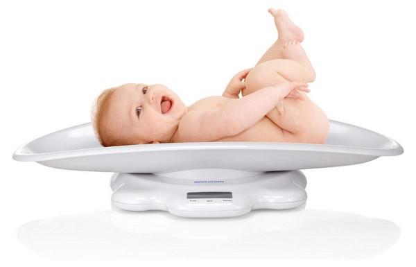 Сколько должен прибавить в весе новорожденный?