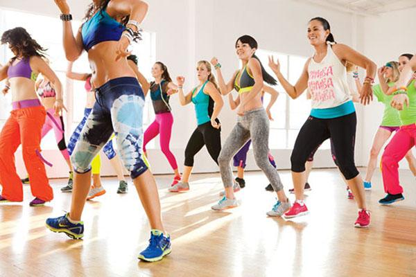 Фитнес дома видео упражнения для похудения для начинающих.