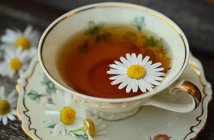 Чай из ромашки поможет заснуть