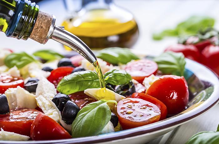 Томаты и оливковое масло: самые полезные сочетания продуктов