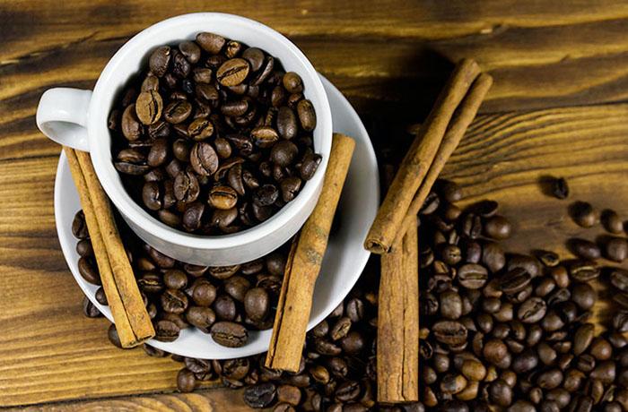 Кофе и корица: самые полезные сочетания продуктов