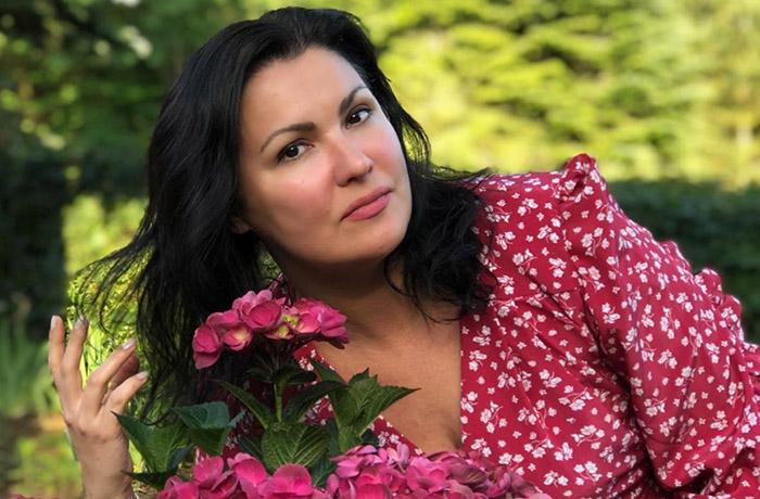 Обеспокоенные поклонники Анны Нетребко просят певицу прекратить диету