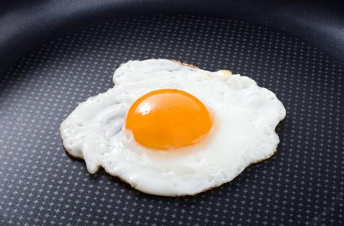 Калорийность 1 жареного яйца без масла