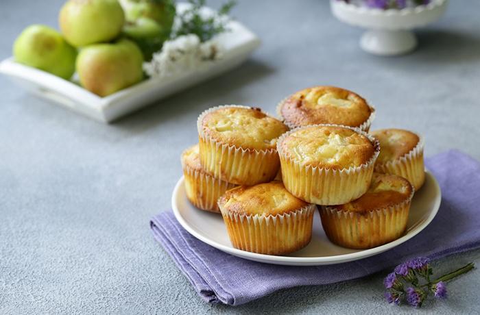 Фирменный рецепт кексов с яблоком и корицей от Васи Смольного