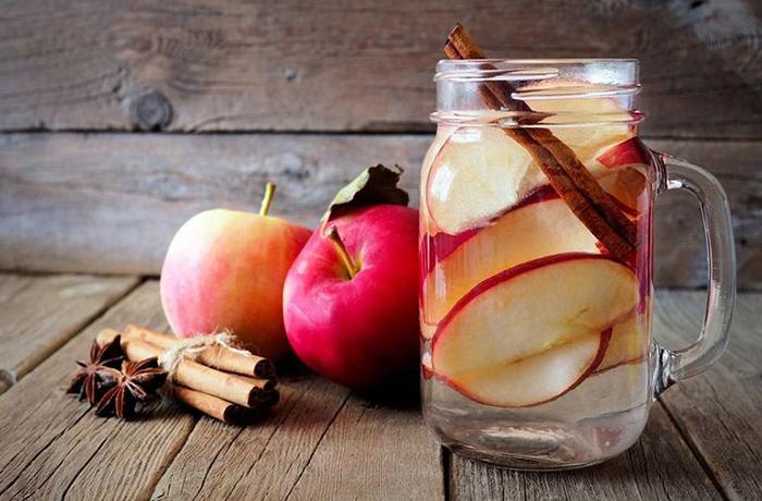 Коричный напиток с яблоком