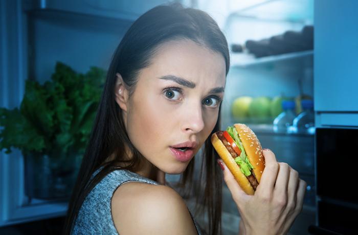 14 продуктов, которые не стоит есть после шести вечера
