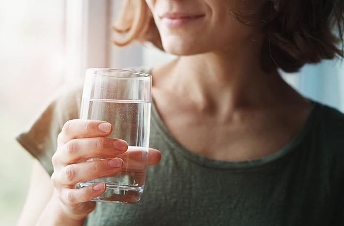 Сколько воды в день нужно пить на самом деле